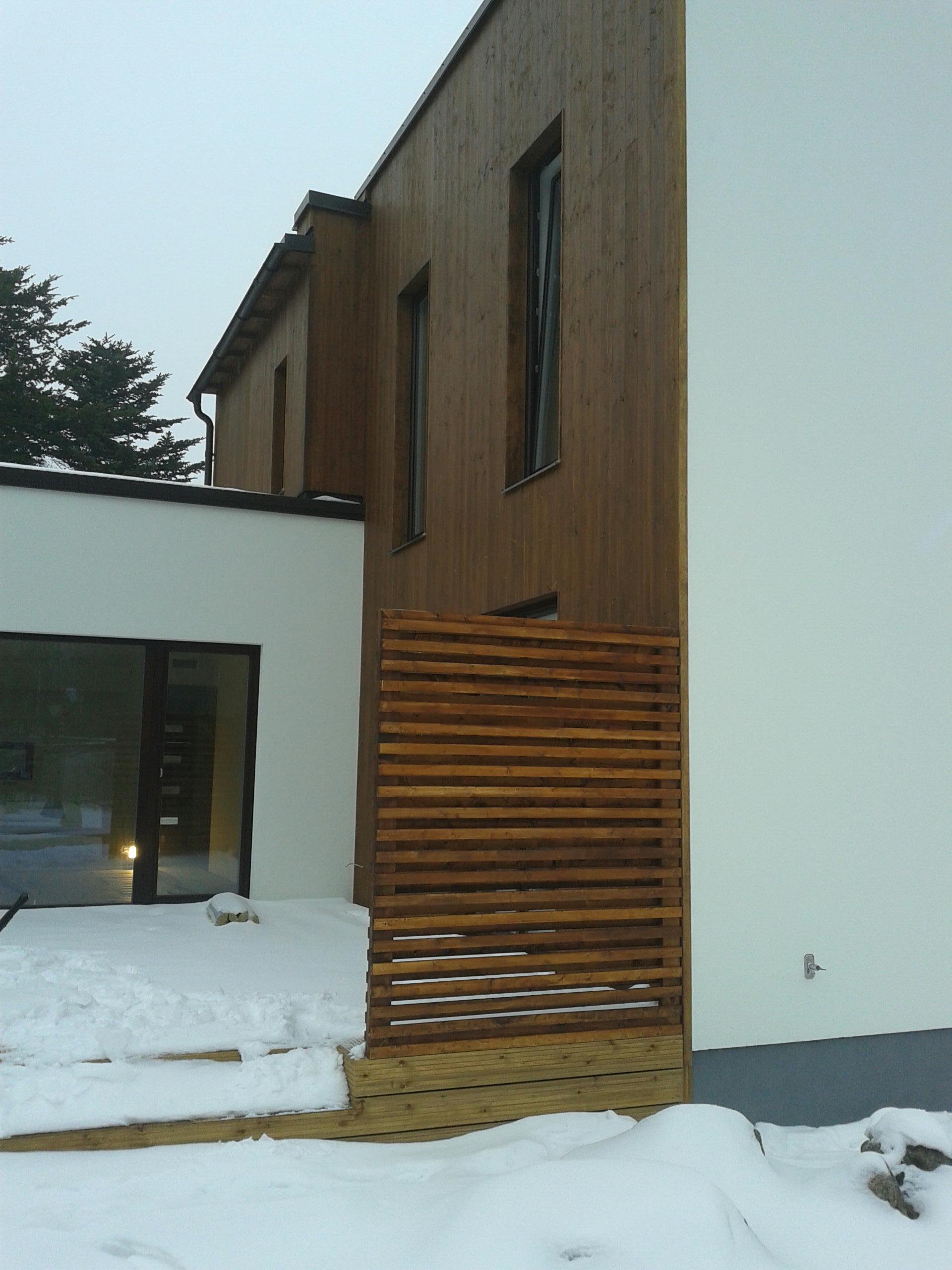 Maja puitfassaad
